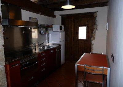 Cocina totalmente equipada de Casa Chusepon en Zaragoza